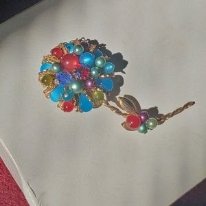 Vintage Miriam Haskell era brooch filigree flower